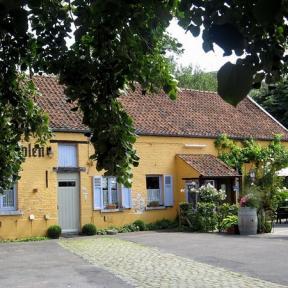 Casterstraat 46 (foto: Sonuwe, 2011)