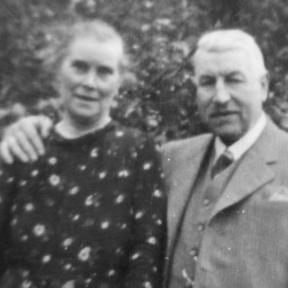Drukker Désiré Dobbels en zijn echtgenote Maria Gerardina Marquet (foto, dank aan Anne-Marie Journée, Hasselt)
