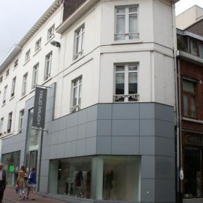 Demerstraat 10-12 (foto: Erfgoedcel Hasselt, 2009)
