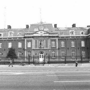 Rijkswachtkazerne, Guffenslaan 18 (uit: Inventaris van het cultuurbezit in België (1981), fig. 193 - Frieda Schlusmans, 09-1978 - Vlaamse Gemeenschap)