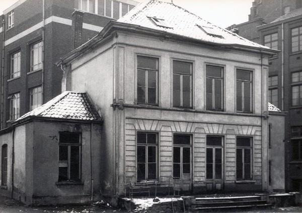 Villa de Gerlache aan de Guffenslaan, net voor de afbraak (uit: Dankbaarheid en Waardering (1982), p. 74)
