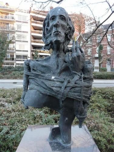 Onbekende Oorlogsvrouw, Jan Calmeyn (foto: Brecht Cloetens, standbeelden.be)