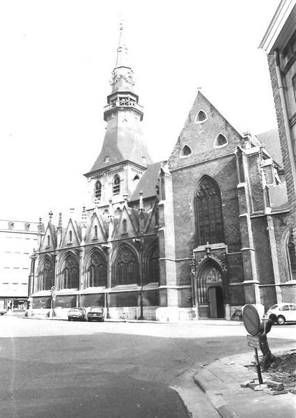 Sint-Quintinuskathedraal, kant Vismarkt (uit: Inventaris van het cultuurbezit in België (1981), fig. 753 bis - Frieda Schlusmans, 07-1975 - Vlaamse Gemeenschap)