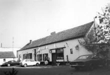 Casterstraat 46 (uit: Inventaris van het cultuurbezit in België (1981), fig. 513 - Frieda Schlusmans, 10-1975 - Vlaamse Gemeenschap)