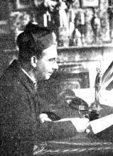 Portretfoto E.H. Jozef De Wit (1882-1964) (uit: Koninklijk Atheneum Gedenkboek 1850-1950 (1950), p. 249