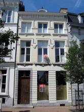 Dokter Willemsstraat 26 (foto: Sonuwe, 2011)