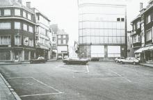 Gezicht op de Fruitmarkt (uit: Hasselt toen en nu (1985), p. 38)