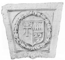 Gevelsteen 'Het Wynvat', Maastrichterstraat, Maaslandse kalksteen, wapens Neven, Cannaerts en Caproens (collectie Het Stadsmus Hasselt)