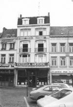 Het Slot, Grote Markt 14 (foto uit: Inventaris van het cultuurbezit in België, fig. 558 - Frieda Schlusmans, 06-1975 - Vlaamse Gemeenschap)