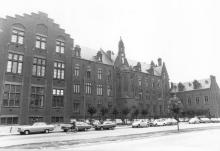 Sint-Jozefscollege, Guffenslaan 27 (uit: Inventaris van het cultuurbezit in België (1981), fig. 194 bis - Frieda Schlusmans, 09-1975 - Vlaamse Gemeenschap)