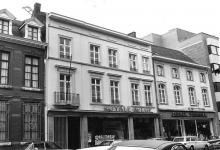 Havermarkt 24, 26-28 (uit: Inventaris van het cultuurbezit in België (1981), fig. 570 bis - Frieda Schlusmans, 07-1978 - Vlaamse Gemeenschap)