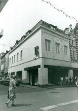 De Trompet, Hoogstraat 18 (uit: Inventaris van het cultuurbezit in België (1981), fig. 584 bis - Frieda Schlusmans, 06-1975 - Vlaamse Gemeenschap)