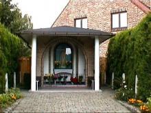 Fatimakapel, hoek Kiezelstraat en Bosstraat (uit: http://kadoc.kuleuven.be/kapelletjes/images/lim/49has668447.jpg, 2000)