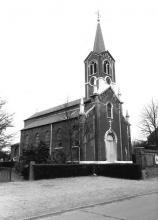 De kerk van Godsheide (uit: Inventaris van het cultuurbezit in België (1981), fig. 177bis - Frieda Schlusmans, 07-1975 - Vlaamse Gemeenschap)