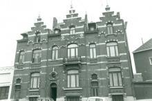 Koningin Astridlaan 58, 60 en 62 (uit: Inventaris van het cultuurbezit in België (1981), fig. 617 - Frieda Schlusmans, 07-1975 - Vlaamse Gemeenschap)