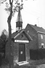 Sint-Jozefkapel, Lummense Kiezel (uit: Inventaris van het cultuurbezit in België (1981), fig. 871 - Frieda Schlusmans, 05-1976 - Vlaamse Gemeenschap)