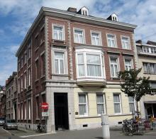 Maastrichterstraat 102 (foto: Sonuwe, 2011)
