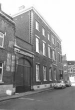 Maastrichterstraat 102, gevel Meldertstraat (uit: Inventaris van het cultuurbezit in België (1981), fig. 675 bis - Frieda Schlusmans, 07-1975 - Vlaamse Gemeenschap)
