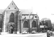 Sint-Quintinuskathedraal, kant Vismarkt (uit: Inventaris van het cultuurbezit in België (1981), fig. 753 tris - Frieda Schlusmans, 11-1978 - Vlaamse Gemeenschap)