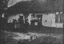 De ganse familie poseert voor de fotograaf, 1906 (uit: Waar de Heksen hun Bezems huurden… / Naarke vertelt zijn Geschiedenis… (1953), p. 5)