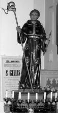 Beeld van Sint-Gillis in de kerk van Wimmertingen (uit: Wimmertingen / Warm aanbevolen (2009), pp. 13-14)